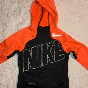 ✔️ Nike Therma Fit Hooded